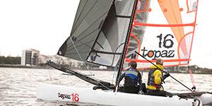 Zeilen op een catamaran | Eemhof Watersport & Beachclub