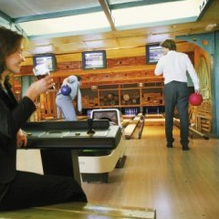 Bowlen vrijgezellenfeest | Bowling bedrijfsuitje | Eemhof Watersport & Beachclub