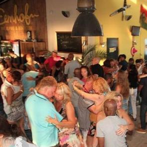 Bedrijfsuitje indoor | Salsa workshop | Eemhof Watersport & Beachclub