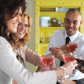 Bedrijfsuitje indoor | Workshop cocktails maken | Eemhof Watersport & Beachclub