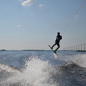 Wakeboarden bedrijfsuitje | Eemhof Watersport & Beachclub