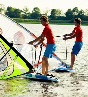 Windsurflessen | Windsurfschool | Eemhof Watersport & Beachclub