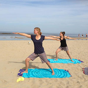 Outdoor yoga workshop | Eemhof Watersport & Beachclub