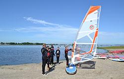 Windsurfcursus ligplaatshouders | Eemhof Watersport & Beachclub