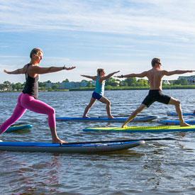 Bedrijfsuitje SUP yoga | Eemhof Watersport & Beachclub