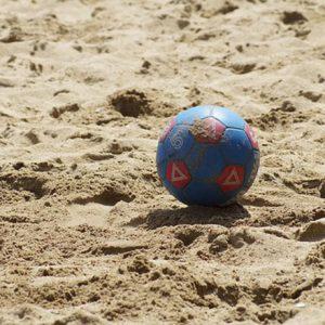 Beach soccer | Outdoor activiteiten | Eemhof Watersport & Beachclub